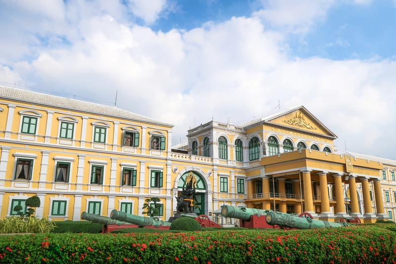 Banguecoque, Tailândia - 9 de novembro de 2016: Ministério de defesa Buildi foto de stock