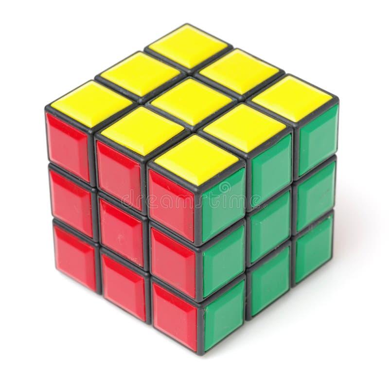 Banguecoque, Tailândia - 11 de novembro de 2017: O cubo 44 de Rubik é difícil para o jogo mas bom para o cérebro fotos de stock