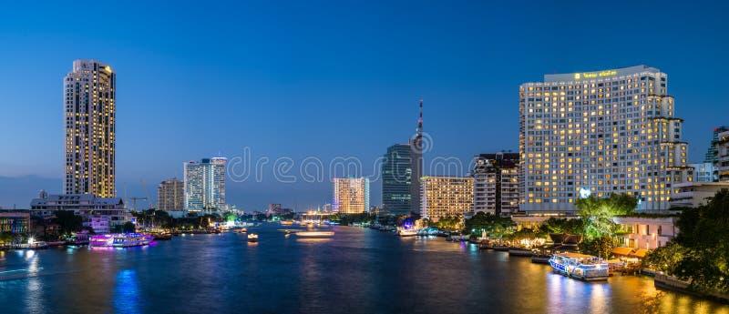 Banguecoque, Tailândia, o 31 de dezembro de 15 - ponte de Taksin imagem de stock