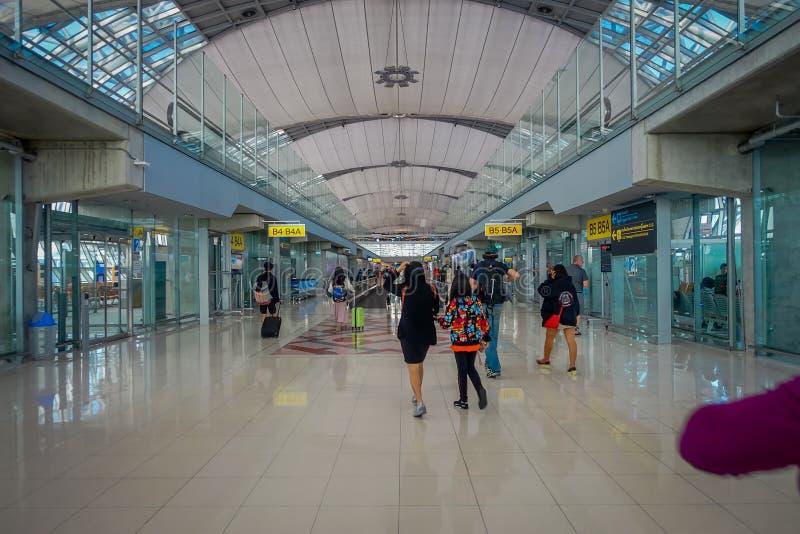 BANGUECOQUE, TAILÂNDIA - 1º DE FEVEREIRO DE 2018: A ideia interior da chegada Salão em Don Mueang International Airport, terminal fotografia de stock