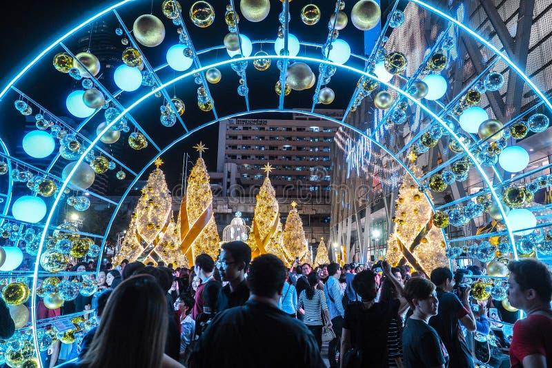 BANGUECOQUE TAILÂNDIA - 23 DE DEZEMBRO: Natal decorado com os cervos pelo Feliz Natal & o ano novo feliz 2017 na compra de Centra imagem de stock