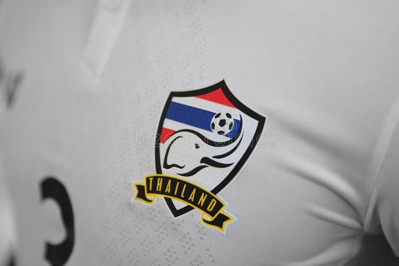 BANGUECOQUE, TAILÂNDIA - 12 DE JUNHO: o logotipo da nação Footb de Tailândia fotografia de stock