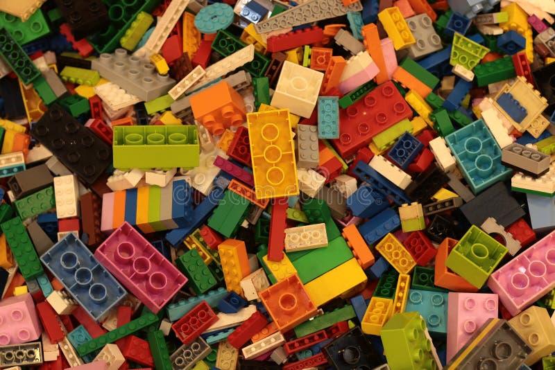 Banguecoque Tail?ndia em setembro de 2018: Fundo do brinquedo de Lego imagens de stock