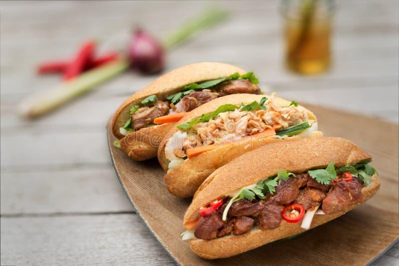 Banh MI, pão vietnamiano três gostos imagens de stock royalty free