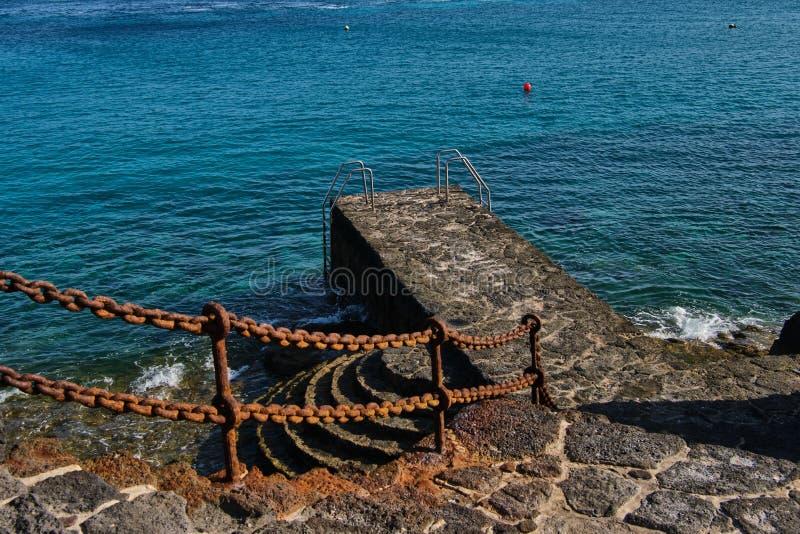Banhando o molhe no BLANCA de Playa foto de stock royalty free