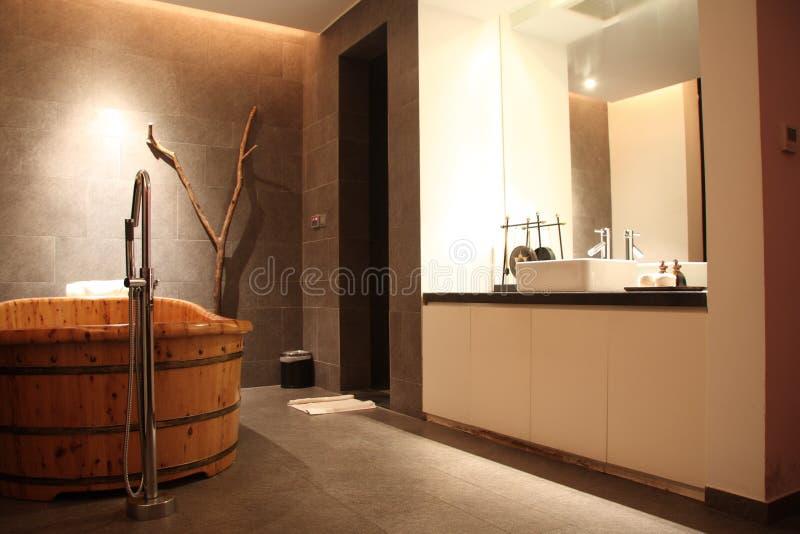 Banheira de madeira foto de stock