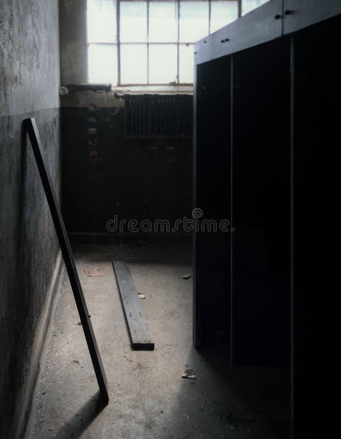 Banheiro abandonado do laboratório de processamento em Connecticut imagem de stock
