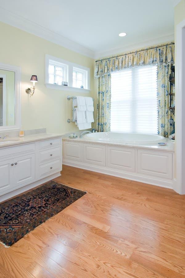 Banheiro de gama alta imagem de stock royalty free