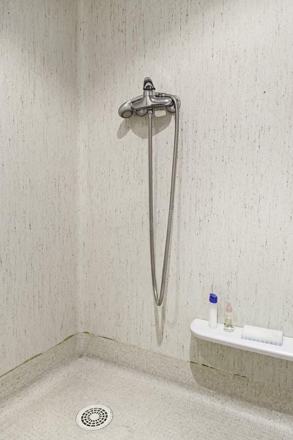 Banheiro de um hospital foto de stock royalty free