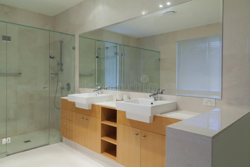 Banheiro gêmeo imagem de stock royalty free