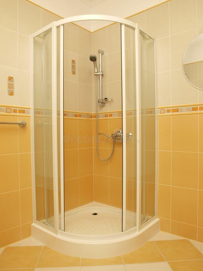 Banheiro interior, chuveiro fotos de stock