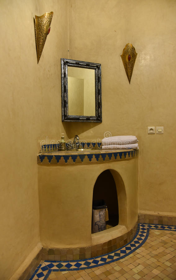 Banheiro marroquino tradicional imagens de stock