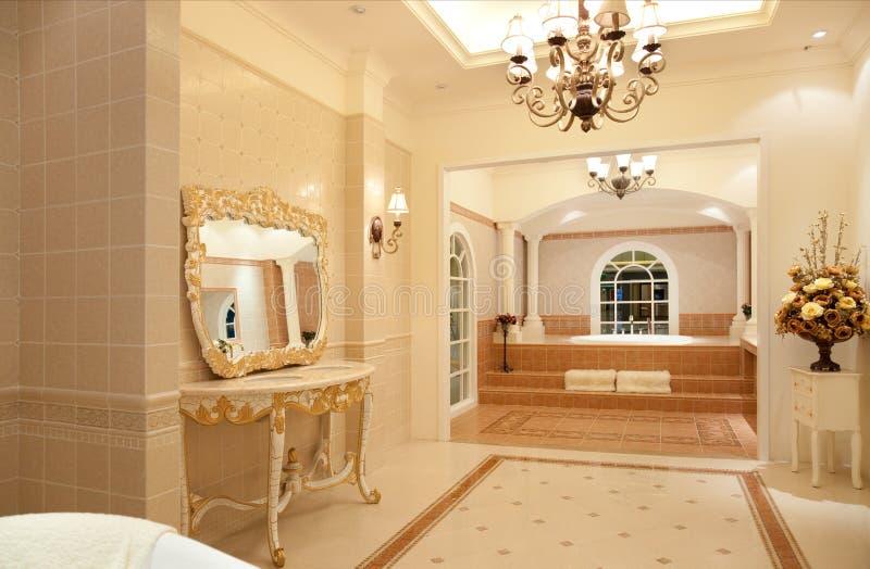 Banheiro mestre luxuoso fotografia de stock royalty free