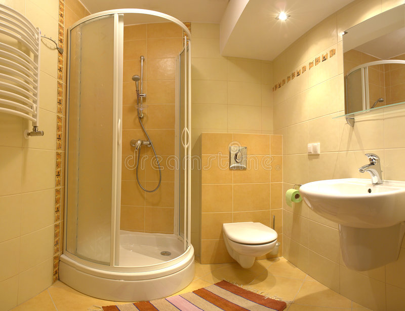 Banheiro moderno brilhante