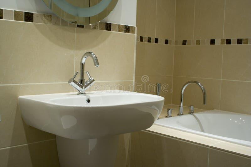 Banheiro moderno do desenhador fotos de stock royalty free