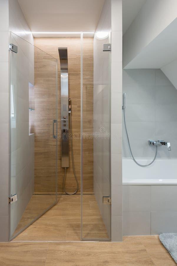 Banheiro moderno elegante imagens de stock royalty free