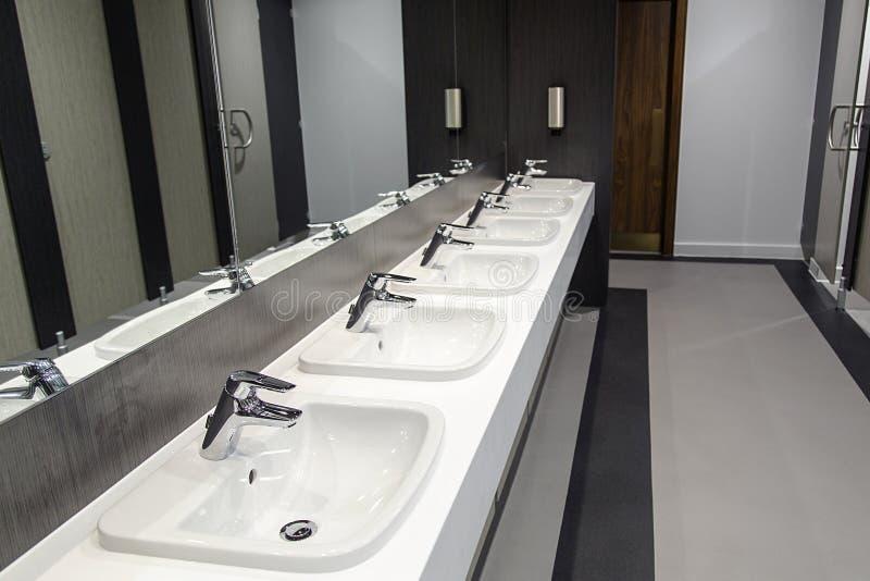 Banheiro público fotos de stock royalty free