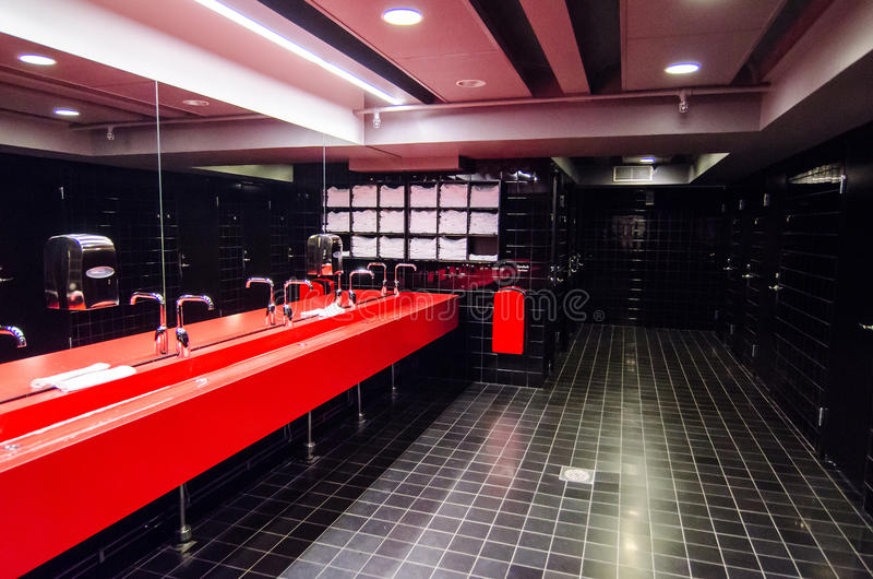 Banheiro público fotos de stock