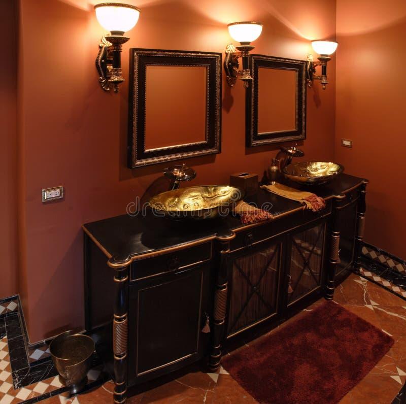 Banheiro preto imagens de stock