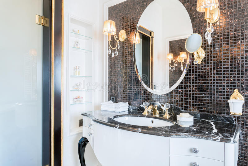 Banheiro preto e branco caro fotografia de stock royalty free