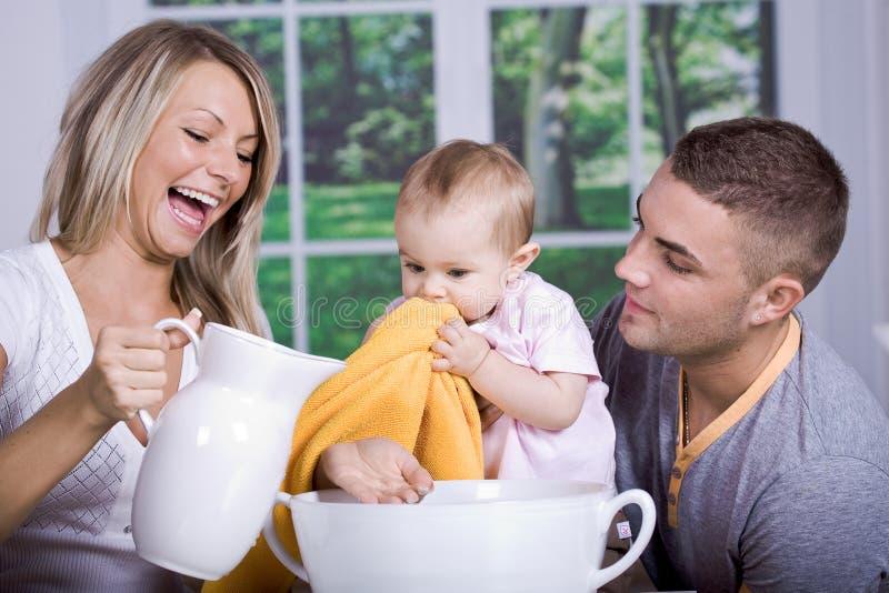 Download Banho do bebê foto de stock. Imagem de saudável, cheerful - 16855074