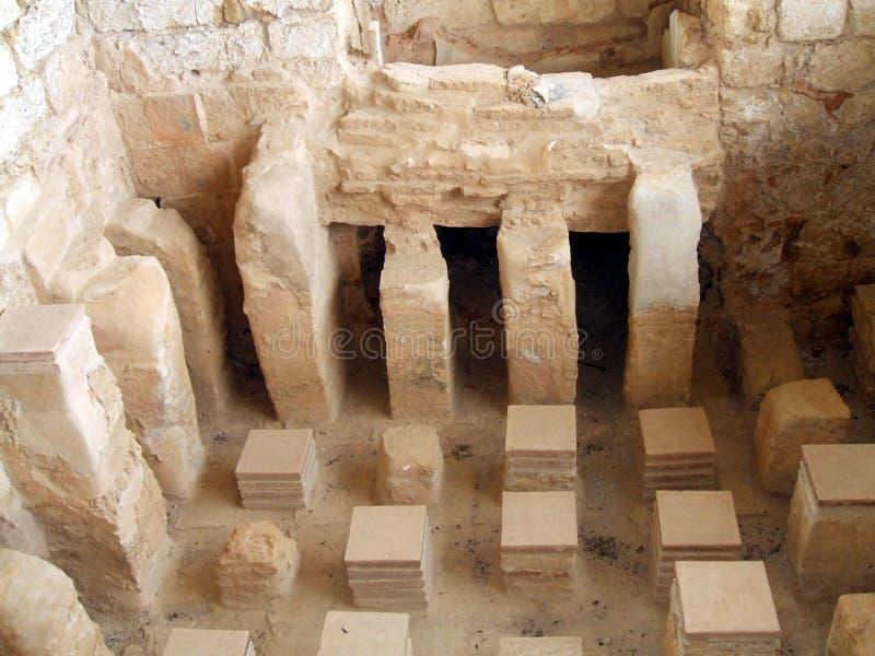 Banho do rei Herod Palace, Masada no deserto de Judean, Israel foto de stock