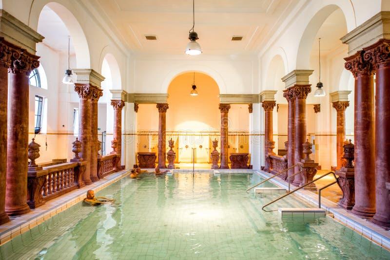 Banho medicinal de Szechenyi em Budapest fotografia de stock royalty free