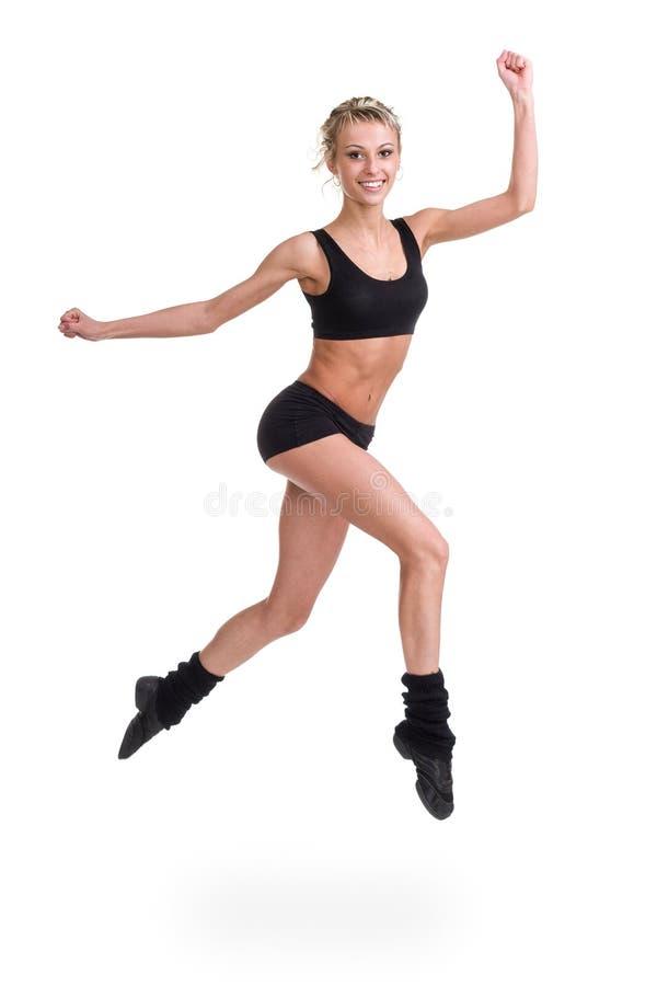 Banhoppningen för aerobicskonditionkvinna isolerade den oavkortade kroppen royaltyfri foto