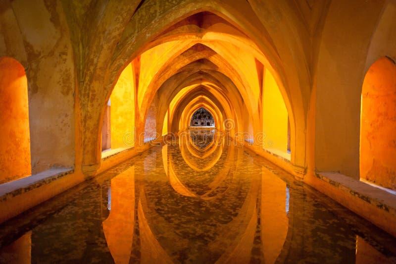 Banhos no Alcazar real, Sevilha imagem de stock royalty free