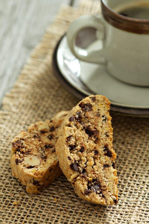 Bania, dokrętki i czekoladowy biscotti, zdjęcia stock