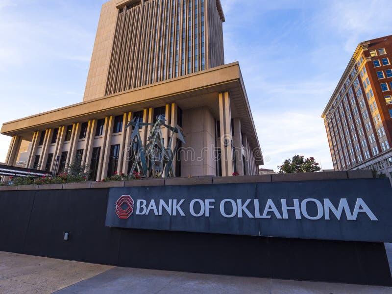 Bank av den Oklahoma högkvarteret på den i stadens centrum oklahoma city - OKLAHOMA CITY - OKLAHOMA - OKTOBER 18, 2017 royaltyfri foto