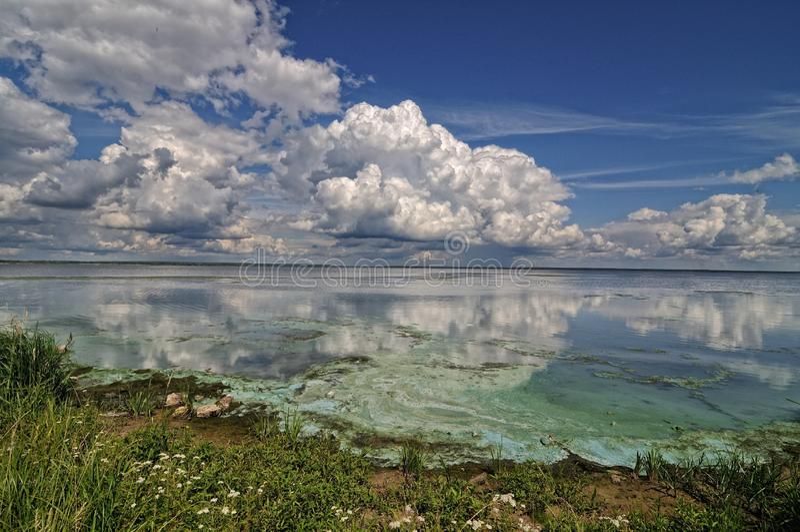 Bank av Volgaet River fotografering för bildbyråer