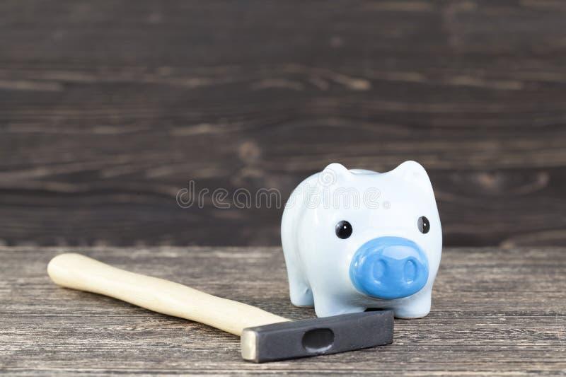 Bank für Münzen stockbilder