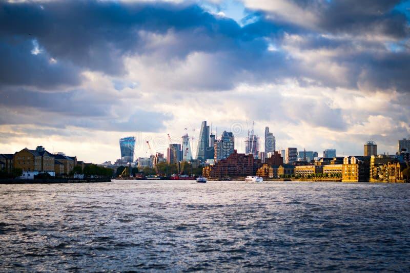 Bank od Thames zdjęcie royalty free