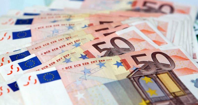 bank repet för anmärkningen för pengar för fokus hundra för euroeuros fem arkivfoto