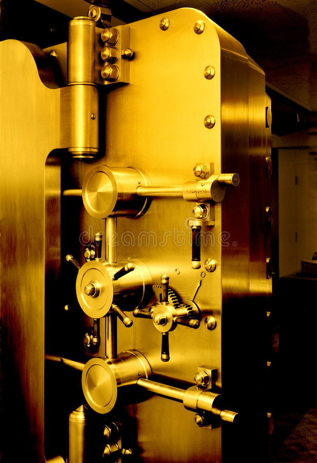 Free BANK VAULT DOOR GOLD SAVING RETIREMENT FINANCIAL PLANNING WEALTH MANAGEMENT INVESTMENT FUND CAPITAL GROWTH STOCK Stock Photo - 2688360