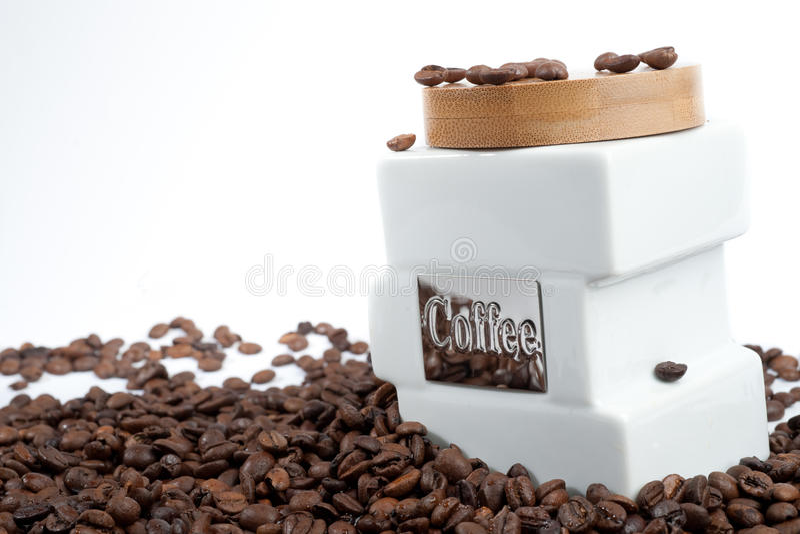 Bank voor koffie en koffiebonen royalty-vrije stock afbeeldingen