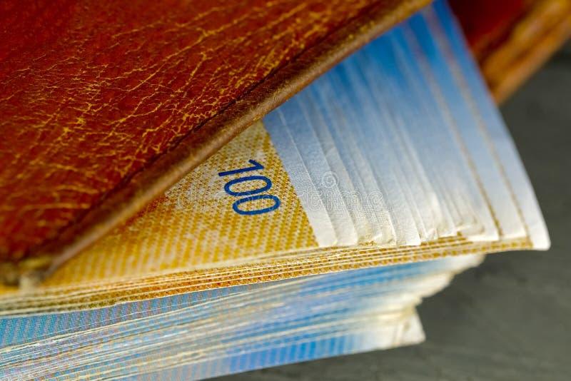 Bankbiljetten van Zwitserse franken in de portefeuille royalty-vrije stock fotografie
