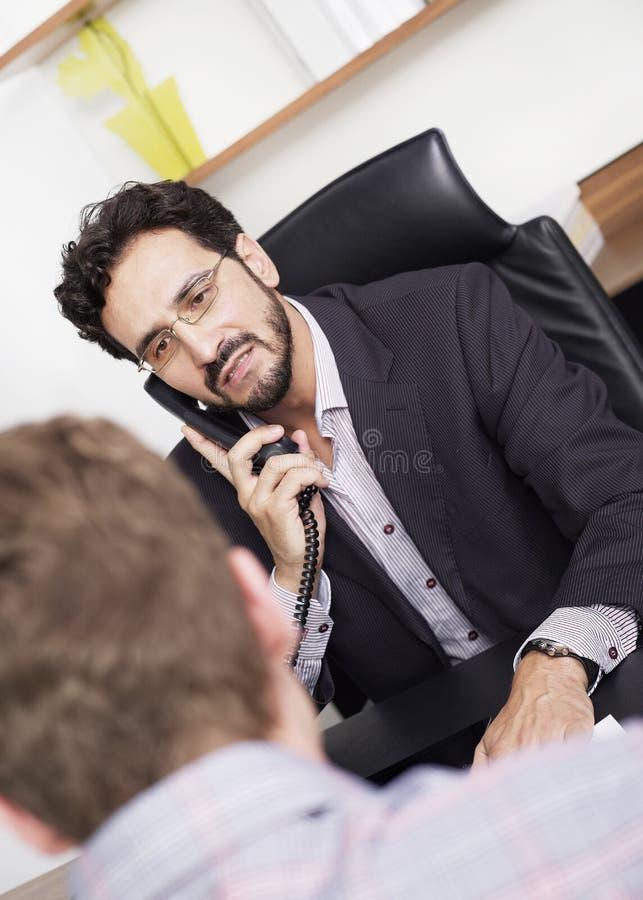 Bankdirecteur op het kantoor royalty-vrije stock fotografie