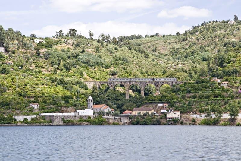 Banken van de Rivier Douro stock afbeelding