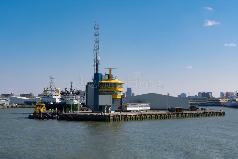 Banki Nowy Meuse w Rotterdam w holandiach zdjęcie royalty free