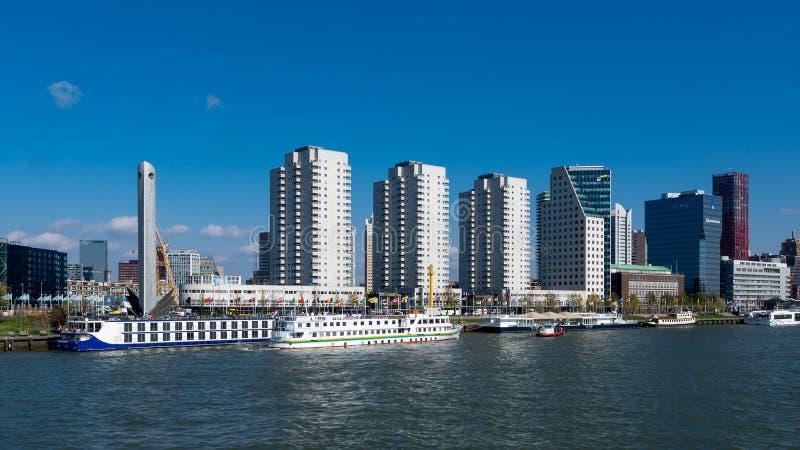 Banki Nowy Meuse w Rotterdam w holandiach zdjęcia royalty free