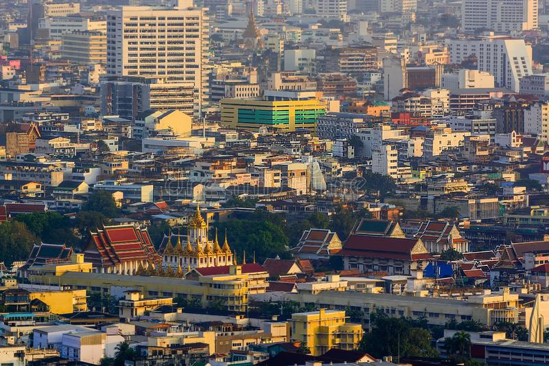 Bankkok huvudstaden av Thailand med byggnad och skyskrapor royaltyfri fotografi