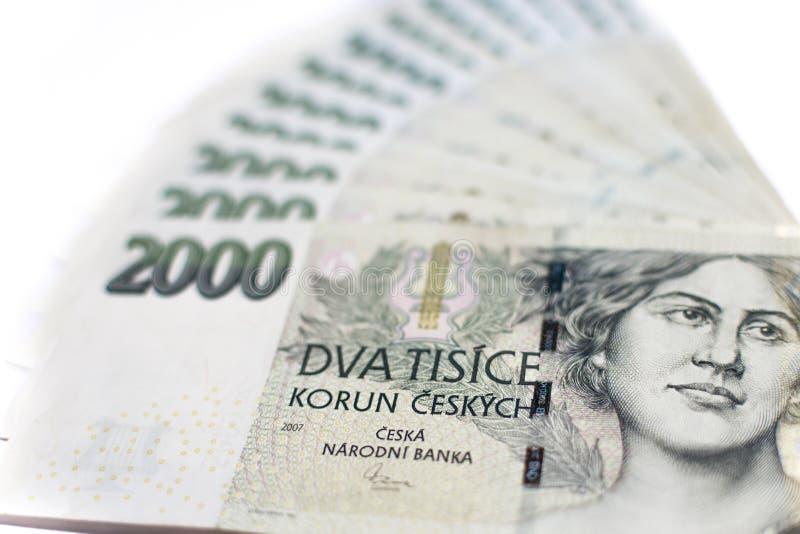 Banknoten von zwei tausend tschechischen Kronen in Folge lizenzfreies stockbild