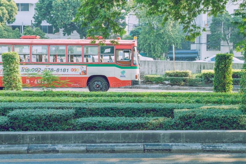 Bankok,泰国都市街道视图 大厦和街道 库存图片