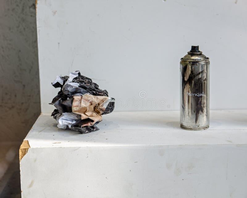 Banksy Morrisey Poster en verf can, Croydon royalty-vrije stock foto