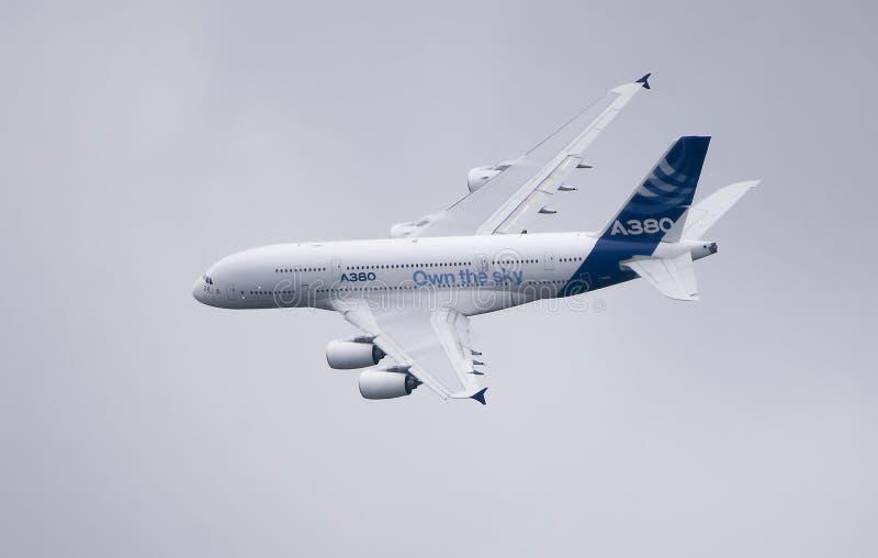 Bankwesen Airbusses A380 lizenzfreie stockfotos