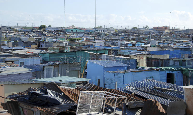 Banlieue noire en dehors de Capetown image libre de droits