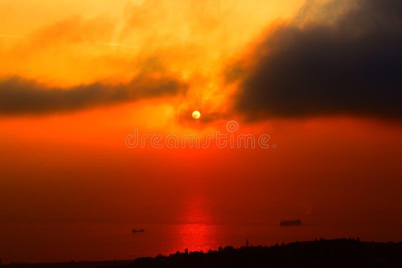 Banlieues magnifiques Liban Moyen-Orient de Beyrouth de coucher du soleil image libre de droits