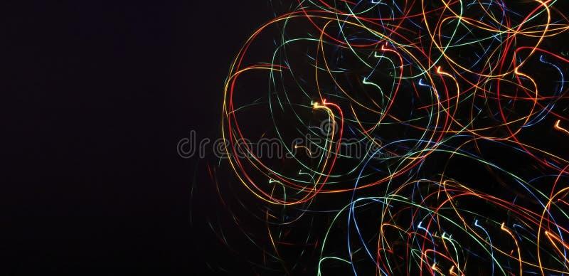 Bannière avec un fond abstrait foncé et un bon nombre de multic lumineux illustration de vecteur